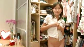 Asian schoolgirl is seducing somebody aspiring to have shag with her