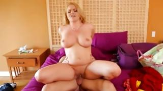 Blondie is posing seductively on hd free porn